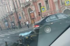 Мотоциклист погиб на Невском проспекте
