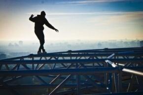 Подросток в Ленобласти, делая селфи, упал с железнодорожного моста
