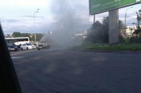 Огонь уничтожает «ВАЗы» в Петербурге