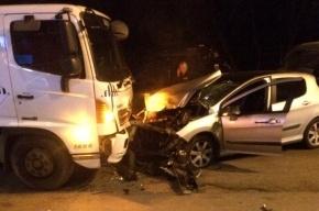 Водитель Peugeot погиб в ДТП с мусоровозом на улице Ткачей