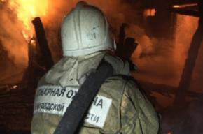 Пожар охватил морг в Учебном переулке