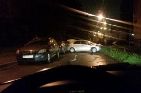 Пьяный водитель на Народной разбил несколько машин
