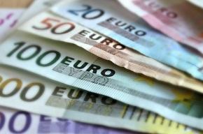 Московская биржа: евро 72,45 рубля, доллар 64,83 рубля