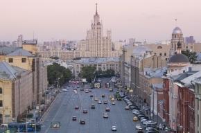 Неизвестные открыли стрельбу из двух автомобилей Mercedes в Москве