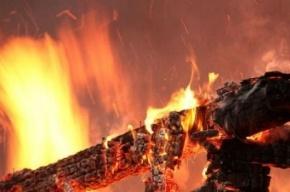 Гараж сгорел в поселке Песочный