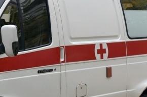 Неизвестные обстреляли двух мужчин в лифте дома на Кушелевской дороге