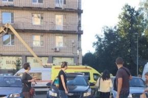Люлька с рабочими упала на Ленинском проспекте