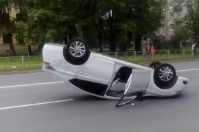 Suzuki перевернула Nissan на улице Бабушкина