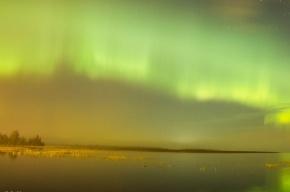 Ночное небо Петербурга осветило полярное сияние