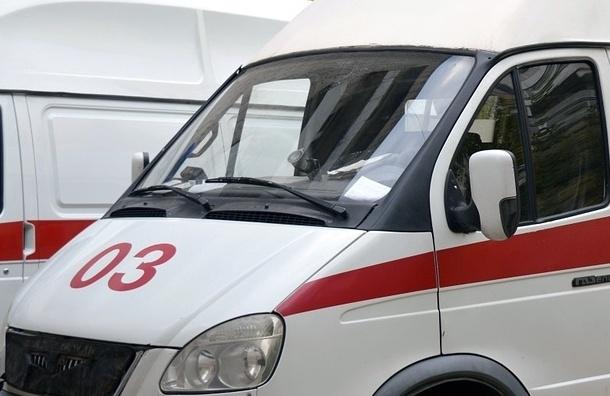 Мужчину убили ударом ножа в шею у метро «Нарвская»