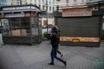 Как Смольный с незаконными ларьками боролся, фото: Игорь Руссак : Фоторепортаж