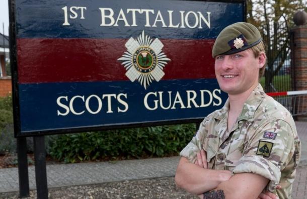 Трансгендер стал первым солдатом-женщиной Британской армии