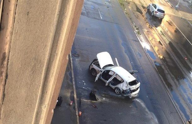 BMW загорелась после столкновения с Audi