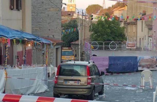 Мужчина в Италии въехал в толпу людей, 25 человек пострадали