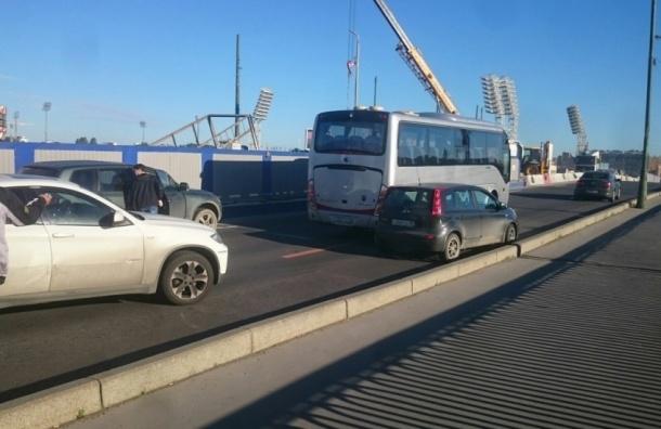«Адский треш на Ваське» вызвало ДТП на Тучковом мосту