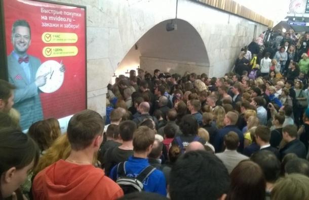 «Невский проспект» закрыли из-за подозрительного кейса