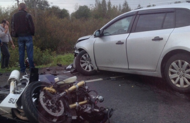 Очевидцы: иномарка сбила мотоциклиста в Понтонном
