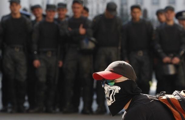 Националисты избили россиянина возле посольства РФ в Киеве