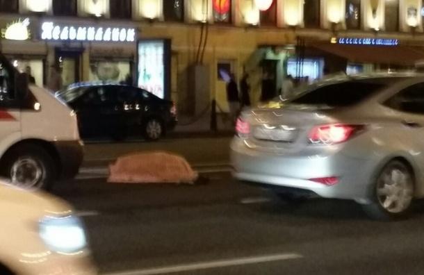 Мужчину насмерть сбили в районе метро «Маяковская»