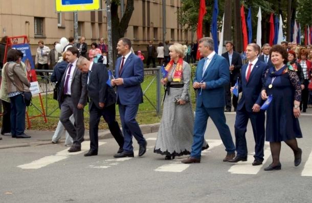Кандидаты в депутаты Заксобрания агитировали за себя на бюджетном празднике в Металлострое