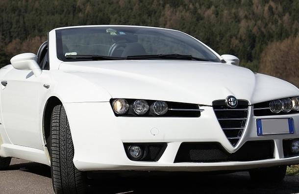 Alfa Romeo сбил женщину в центре Петербурга