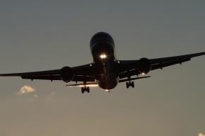 Boeing экстренно сел в Крыму из-за неполадок в двигателе