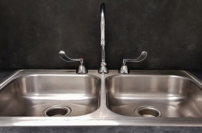 Правительство готовит штрафы за грязную воду из крана