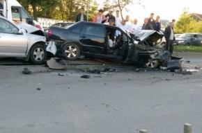Две машины столкнулись в страшном «замесе» на Софийской