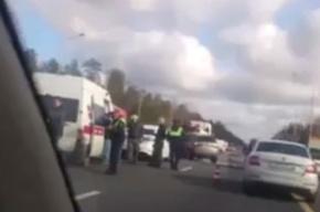 Водитель элитной иномарки погиб в страшной аварии на Мурманском шоссе
