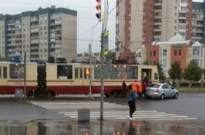 Трамвай попал в ДТП на улице Коллонтай
