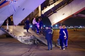 Самолет МЧС доставил в Петербург восемь тяжелобольных детей