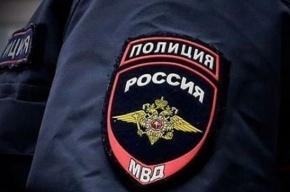 Группа мужчин похитила банкомат на проспекте Наставников