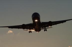 Гражданин Индии скончался на борту самолета, летевшего в Петербург