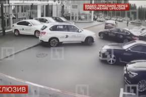 СМИ опубликовали видео угона четырех BMW за 100 секунд