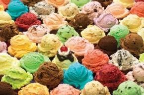 Лидер Китая порадовался подаренному Путиным мороженому