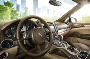Темно-коричневый Porsche, украденный в Германии, нашли в Петербурге через 4 года
