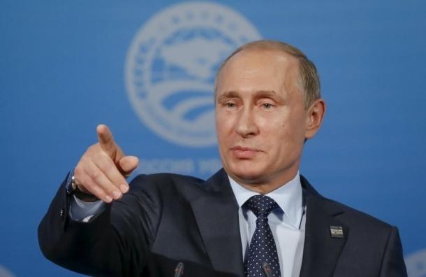 Путина и Трампа обвиняют в отравлении Клинтон