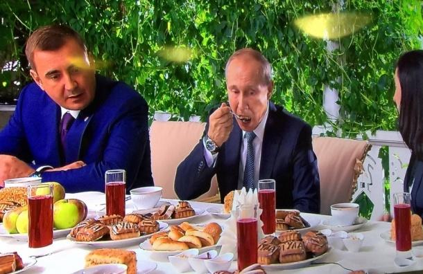 Путина угостили любимым пирогом Льва Толстого