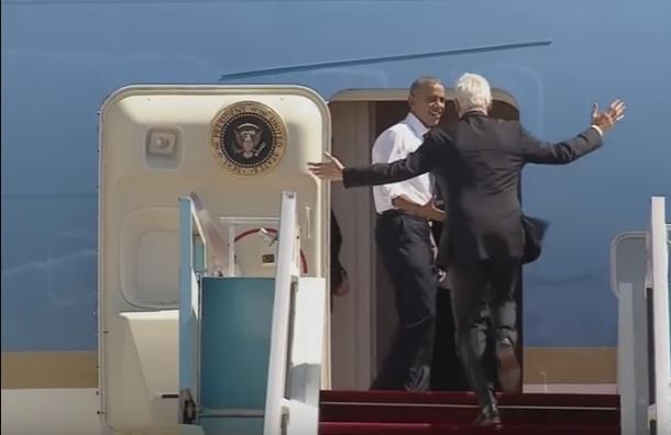 «Мне надо домой». Как Обама уговаривал Клинтона побыстрее сесть всамолет