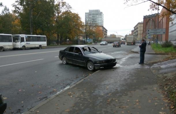 Очевидцы: машина автоблогера Ярослава Ефремова сгорела на улице Бабушкина