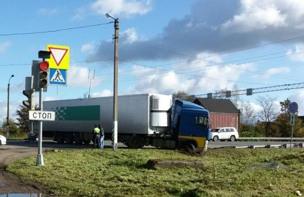 Массовое ДТП остановило движение на участке Московского шоссе