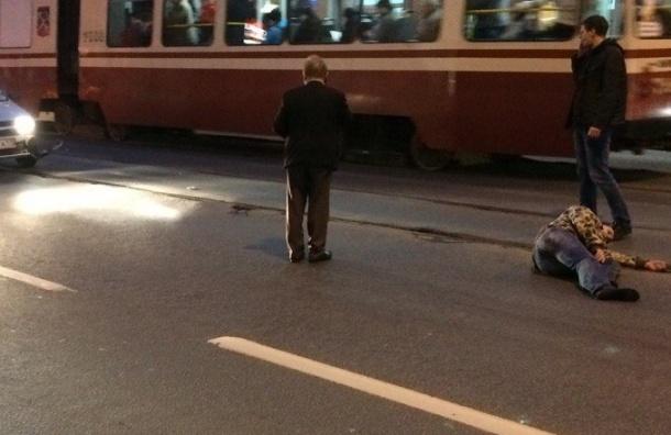 Lada сбила человека на Среднеохтинском проспекте