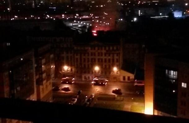 Несколько пожаров потушили в Петербурге за минувшую ночь