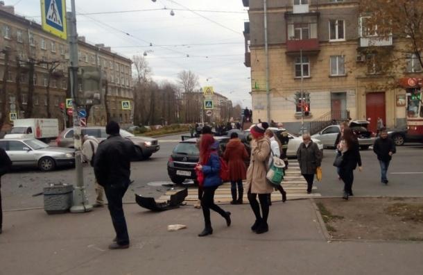 Женщины-водители и ребенок пострадали в аварии на Маршала Говорова