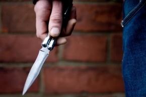Молодой парень заступился за девушку на Яхтенной и получил удар ножом