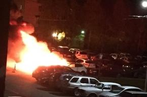 Четыре машины сгорели ночью на проспекте Маршала Жукова