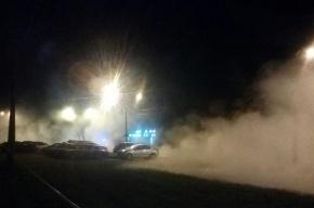 Трубу с кипятком прорвало на Караваевской улице