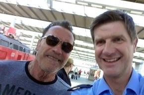 Шварценеггер откупился селфи от немецкой полиции