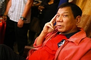 Президент Филиппин Дутерте признался, что стал жертвой священника-педофила
