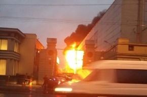 Спасатели эвакуировали 20 человек из-за пожара на Кировском заводе